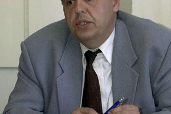 Poslanec Milan Baran s návrhmi stanovísk v zastupiteľstve nepochodil.