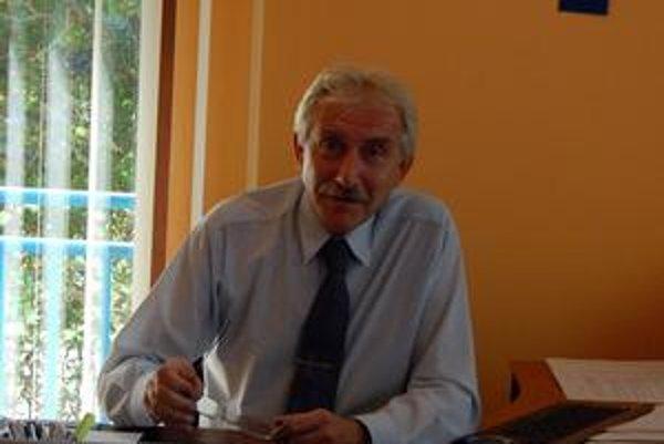 Bývalý riaditeľ Klíma. Niektorí ho obhajujú, iní kritizujú. 7 000 eur z metských peňazí zatiaľ jeho účte nie je.