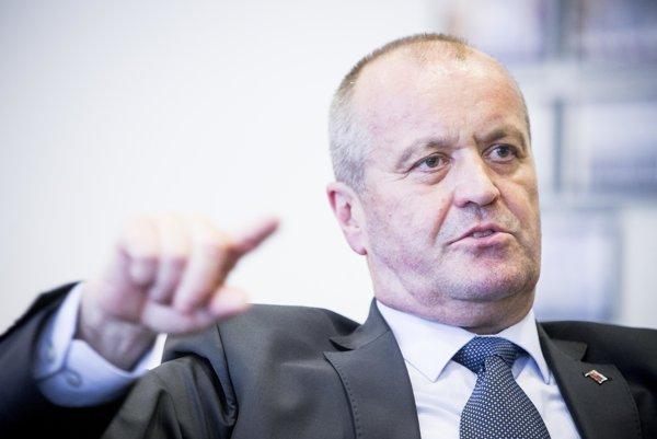 Minister obrany Peter Gajdoš.