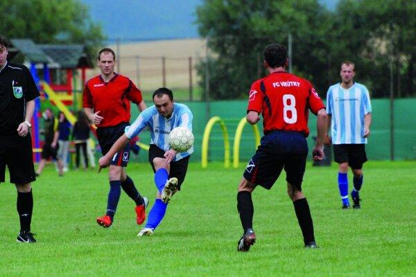 Futbalistov Dražkoviec tradične na ihrisku vedie kapitán Vladimír Pleško.