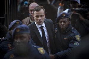 Oscara Pistoriusa odsúdili na šesť rokov.