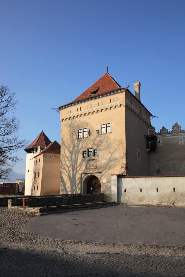 Hrad Kežmarok je zahalený rúškom tajomstva ešte aj dnes. Miestni hovoria, že sa v ňom dejú čudné veci.