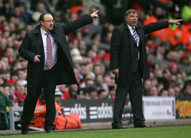 Medzi kritikov Sama Allardyca (vpravo) patril aj Rafael Benítez (vľavo).