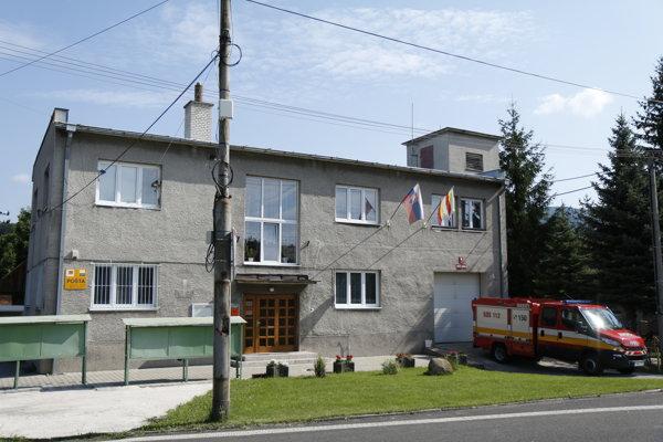 Obecný úrad v Chrenovci-Brusne.