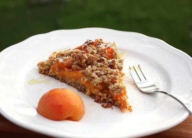 Marhuľový koláč bez múky a cukru