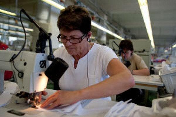 Zamestnanci v odevnom odvetví zarábajú najmenej.