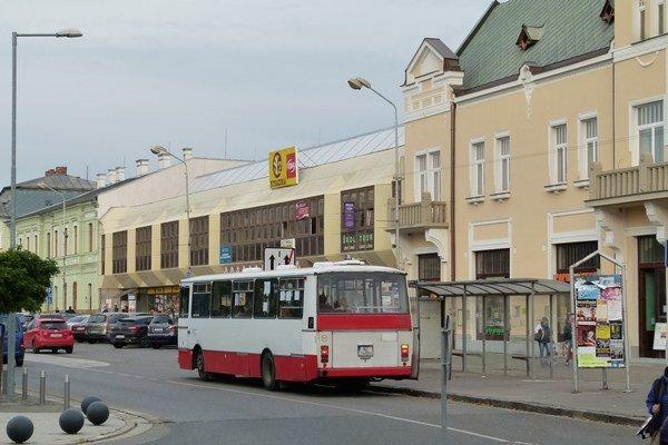 MHD je v Leviciach stratová. Jedným z dôvodov vysokých nákladov je aj zastaraný vozový park.