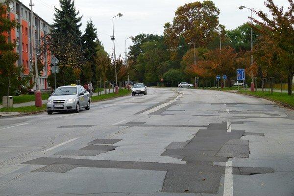 Jednou z ulíc, ktoré budúci rok v Leviciach opravia, je Štúrova ulica.