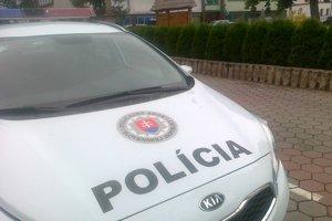 Čo sa v byte odohralo, zisťuje polícia.