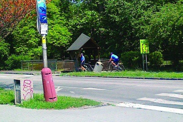 Mestská polícia má k dispozícii štyri vyše 10-ročné bicykle.