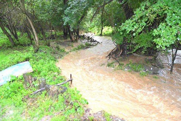 Záplavy v mestskej časti Horša.