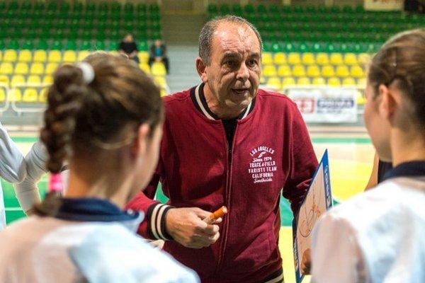 Peter Kováčik sa stal trénerom Nitry, ale bude naďalej bude pomáhať aj Leviciam.
