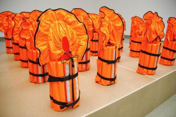 Výstava Strach z neznámeho prezentuje diela 23 domácich i zahraničných umelcov.