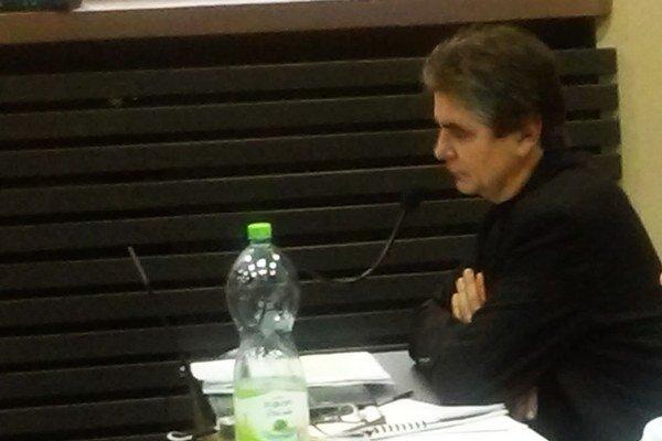 Mestský kontrolór na rokovaní zastupiteľstva.