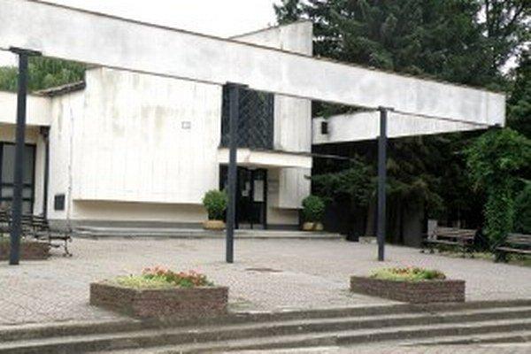 Dom smútku v Prievidzi.