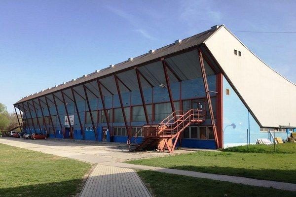 Na tomto štadióne sa bude hrať o 100 dní extraliga. Prejde však dovtedy rekonštrukciou.