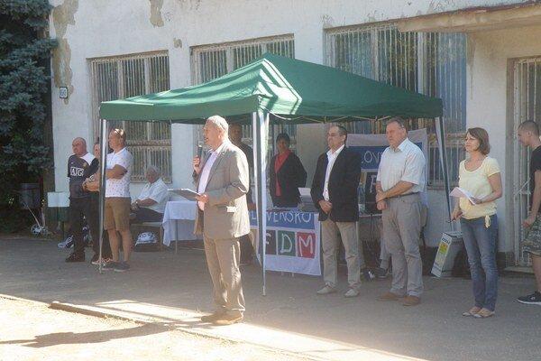 Podujatie otvoril riaditeľ Strednej odbornej školy stavebnej Štefan Száraz.