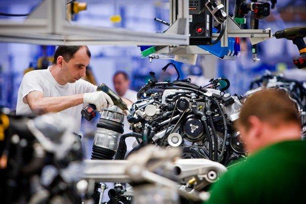 Najviac zamestnaných je v priemysle.