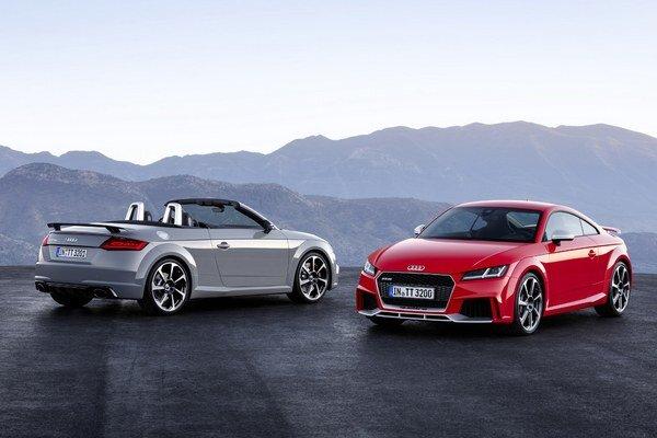 Špičkové Audi TT RS vo verzii kupé a kabriolet. Modernizovaný prepĺňaný 2,5-litrový motor s priamym vstrekovaním benzínu vyvíja maximálny výkon 294 kW.