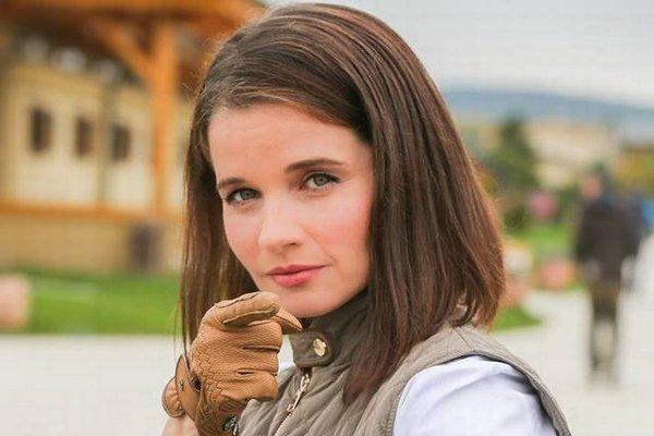Simona v Divokých koňoch. Jej postava príliš sympatická nebola.