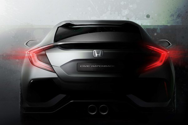 """Prototyp Honda Civic Hatchback. Honda zatiaľ zverejnila zatiaľ len jedinú, trochu """"zamaskovanú"""" fotku prototypu modelu Civic Hatchback, ktorý by sa na európsky trh mal dostať v roku 2017."""