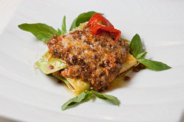 Lasagne s mäsovým ragú.