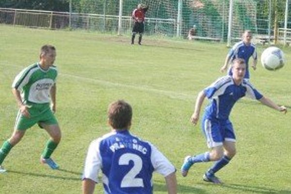 Momentka zo zápasu Sebedražie - Pravenec.