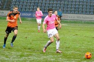 Mal na kopačke jeden gól. Martin Koscelník (vpravo) mohol vyrovnať na 2:2.