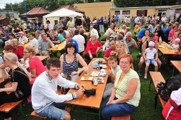 Jubileum Opatoviec oslavuje celá dedina.