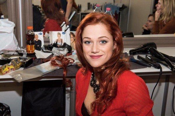 Krásna a talentovaná. Emma má všetky predpoklady na to, aby z nej bola hviezda.