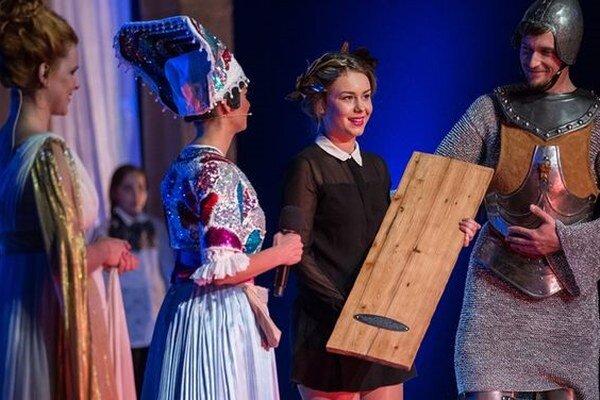Dominika Kavaschová s ocenením. Zostala prekvapená, ale šťastná.