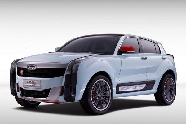 Štúdia Qoros 2 SUV PHEV. Koncepčný športovo-úžitkový automobil Qoros 2 SUV PHEV mal svetovú premiéru na autosalóne v Šanghaji.