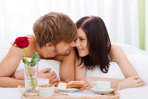 Romantika ako z filmu. Môžete si ju urobiť aj z rutinného vzťahu.