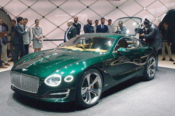 Štúdia Bentley EXP 10 Speed 6. Štúdia predstavuje víziu budúceho sériového modelu Bentley, ktorý sa na trh dostane za štyri roky.