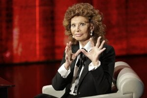 """Sophia Loren. Vo svojej autobiografii Včera, dnes a zajtra, ktorú vydala v roku  2014, opisuje slávna herečka aj skúsenosť s dvoma potratmi. Spomína najmä na to, ako jej tieto informácie oznamoval lekár: """"Jeho desivé slová marili všetky moje nádeje a kvôli nim som sa cítila bezmocná, neúrodná a úplne nedostatočná."""""""
