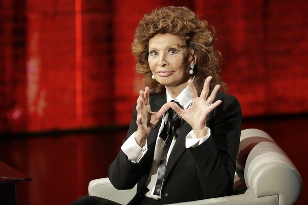 Legenda. Sophia Loren má osemdesiat a stále je atraktívna.