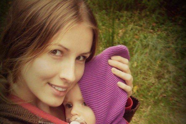 Materstvo jej svedčí. Miriam aj bez mejkapu vyzerá fantasticky.