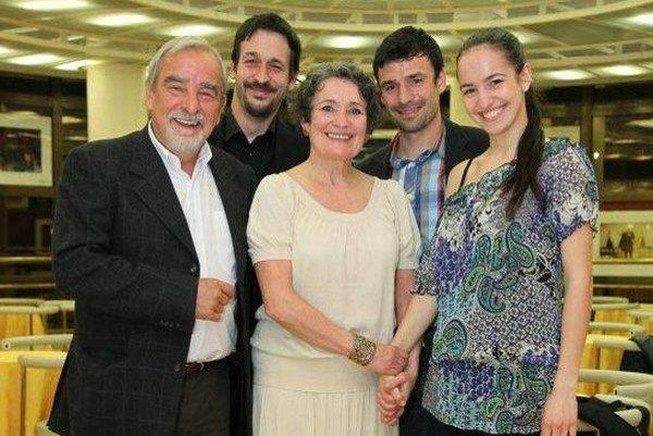 Rodina je základ. A pre obľúbeného herca sú manželka Eva a ich deti to najdôležitejšie.