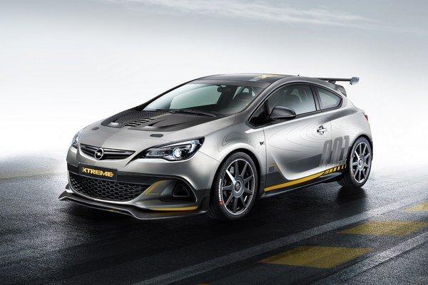 Koncepčný Opel Astra OPC Extreme. Táto štúdia je cestnou verziou okruhového pretekárskeho špeciálu a poháňa ju dvojlitrový motor výkonu vyše 220 kW.