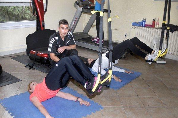 Cvičenie šetrí kĺby a šľachy.