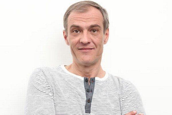 Roman Luknár. Ako Dutko z Paneláku prestal piť, v reálnom svete si pod parou trúfol aj šoférovať.