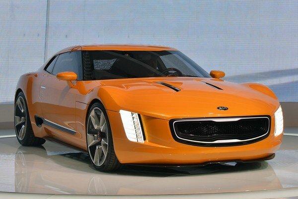 Štúdia športového vozidla GT4 Stinger. Z tejto štúdie bude odvodený sériový model, určený pravdepodobne len pre americký trh.