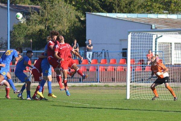 Vo východoslovenskom derby boli úspešnejší Bardejovčania. Nad Michalovcami zvíťazili tesne 1:0, brankár Čikoš–Pavličko si udržal čisté konto.