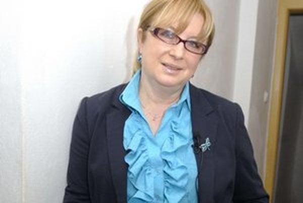 Eňa Vacvalová sa vie baviť aj na svoj účet.