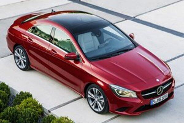 Štvordverové kupé Mercedes-Benz CLA. Karoséria má vynikajúce aerodynamické vlastnosti a jej súčiniteľ odporu vzduchu je len 0,23.