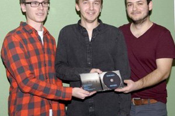 Kapela Parting mouth. Dominik Demčák, Peter Cinkanič a Matuš Haľko (zľava).