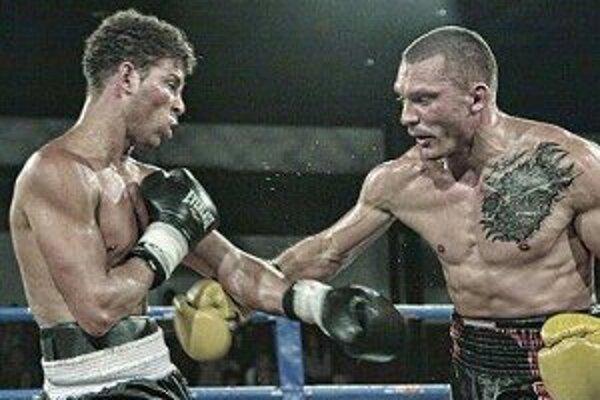Duel s Kubáncom Miguelom Velozom (vľavo).