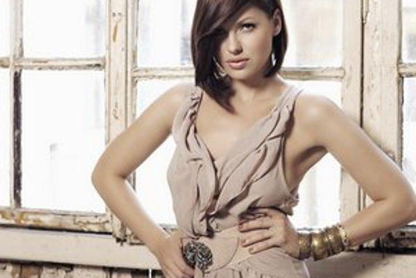 Lina Mayer. Krásna východniarka pripravuje album. Prvý singel Dream je náložou pozitívnej energie.