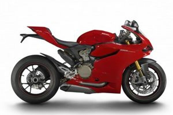 Supermotocykel Ducati 1199 Panigale. Na pohon motocykla slúži 1,2-litrový dvojvalcový motor výkonu 143 kW.
