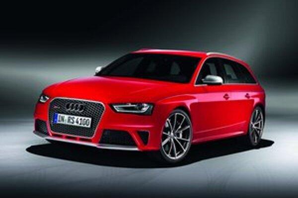 Športové kombi Audi RS4 Avant. Svetovú premiéru bude mať na blížiacom sa autosalóne v Ženeve.